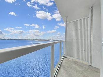 4- Balcony South